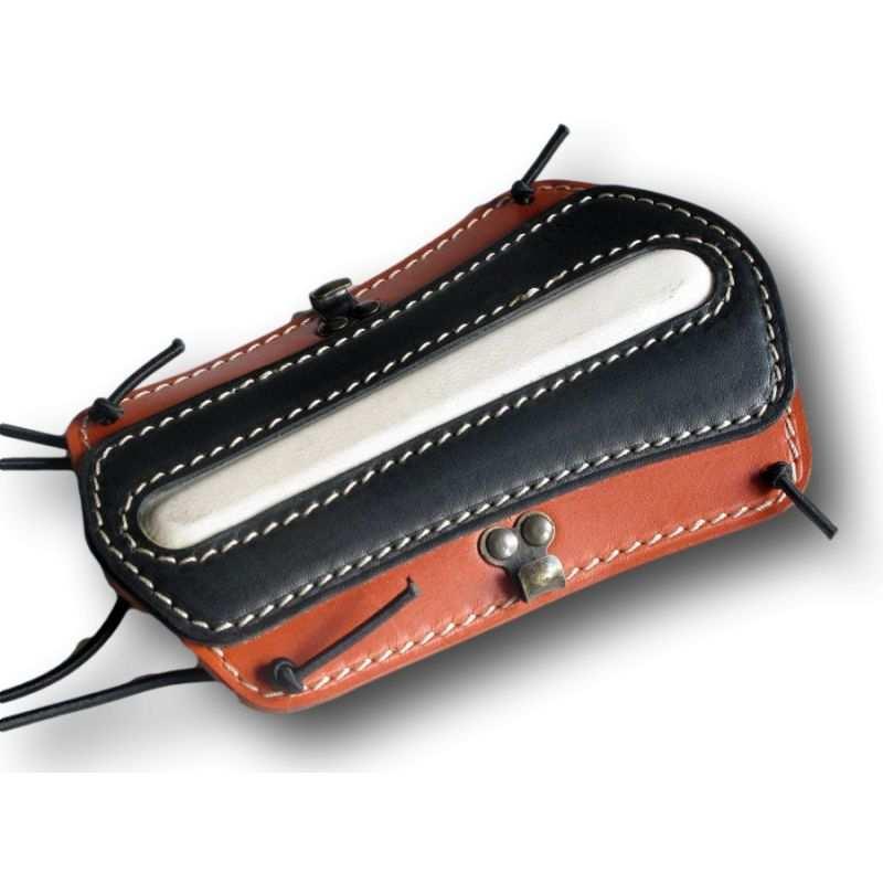 Protège bras en cuir de couleur orange et noir VLBBTAB - ULYSSE ARCHERIE