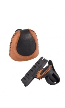 Quiver Bow Contrast BOA Bearpaw equipment for your hunting bow for traditional, instinctive, 3D shooting.
